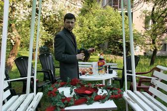 ...svěděk ženicha a pohoštění na naší zahradě...