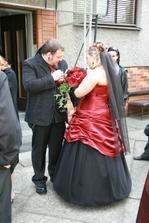 ...korsáž pro ženicha mi zaboha nešla připnout...