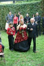 ...příchod nevěsty...