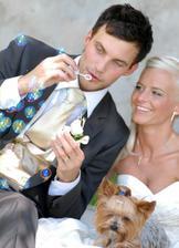 účes ženicha - super!!! (nevěsty asi ještě lepší :)díky za vypůjčení :)