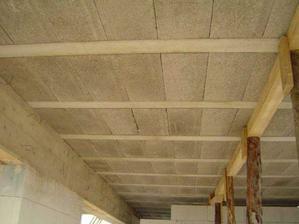 strop z vnutra