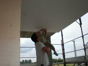 Tatino nedociahol...tak som mu pomohol.. :o)
