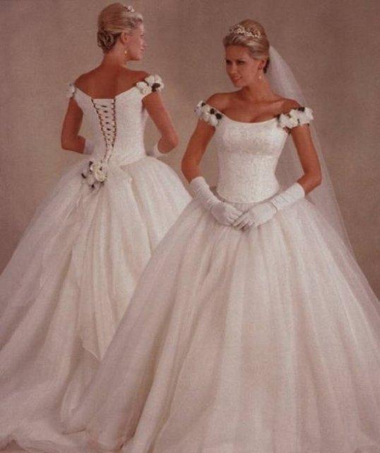 A už je to za nami:-( - tieto šaty boli moje vysnívané, no nakoniec som zvolila iné...