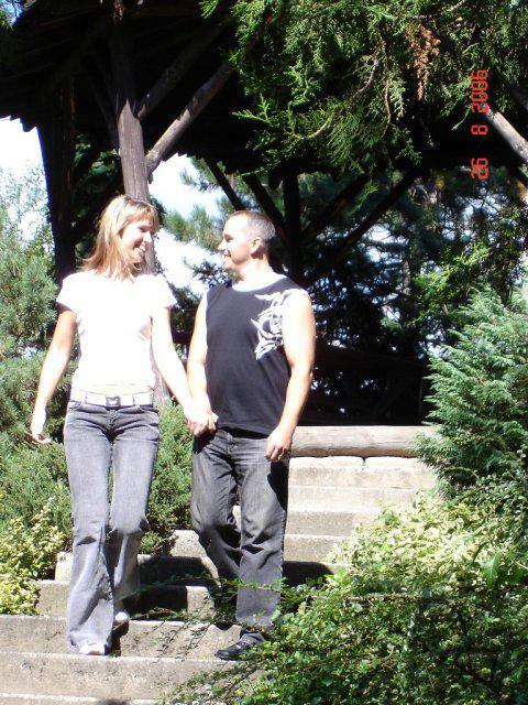 A už je to za nami:-( - Porobili sme par zaberov v Botanickej zahrade ako spomienky na svadobne fotenie:-)