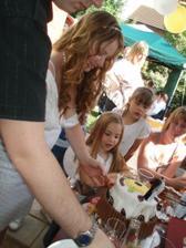 mnam mnam torta ktora sa nam skoro roztopila na slniecku :)
