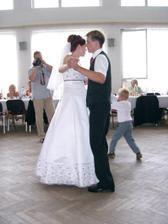 nas prvy spolocny mladomanzelsky tanec