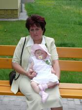 mamka a Sofí, chudáček ,chvílemi už usínala unávou