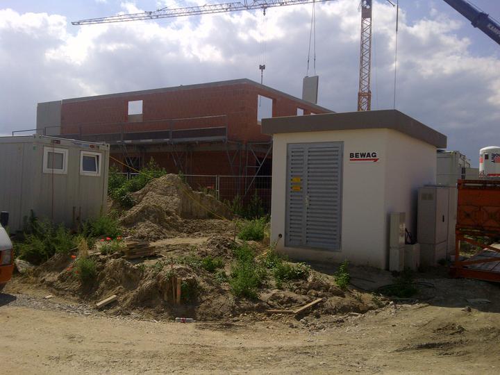 Kittsee-Steinfeldsiedlung 5.7.2011 - sesedné družstvo už ťahá prvé poschodie