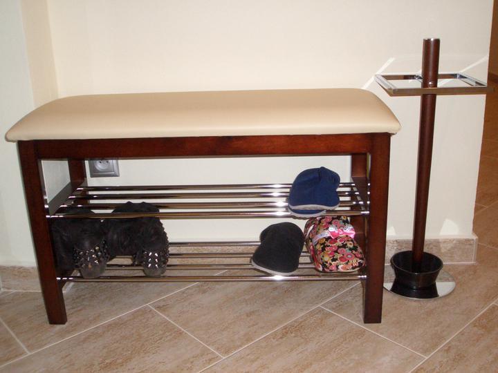 Náš domček - Stojan na dazdniky - len este nakupit dazdniky :-)