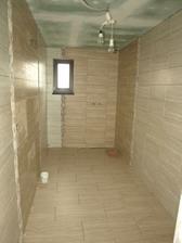 Dolná kúpeľňa zašpárovaná 1