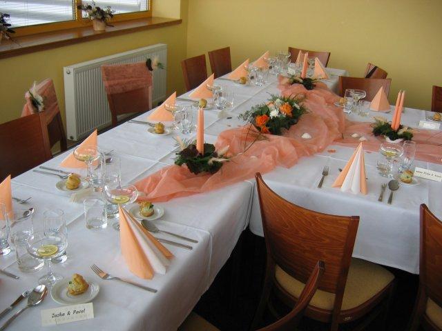 V takové  barvičce bude dekorace stolu.
