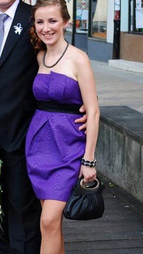 Krátke fialové šaty - Obrázok č. 1