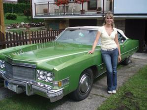 Cadillac, ve kterém jsem měla jet, ale nechtělo se mu...