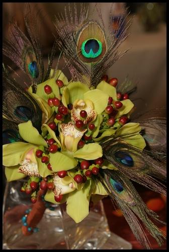 Moje sny - kytka bude trochu netradičná sama som zvedavá ako to dopadne, kalie s orchideou ktomu pávie perá a do dlžky....tak uvidime :o)