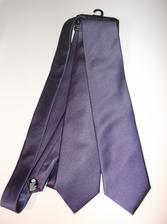 a kravaty pro mládence jsou 3, ale jednu už jsem věnovala. jsou krásně fialové jen to tady tak nevynikne.