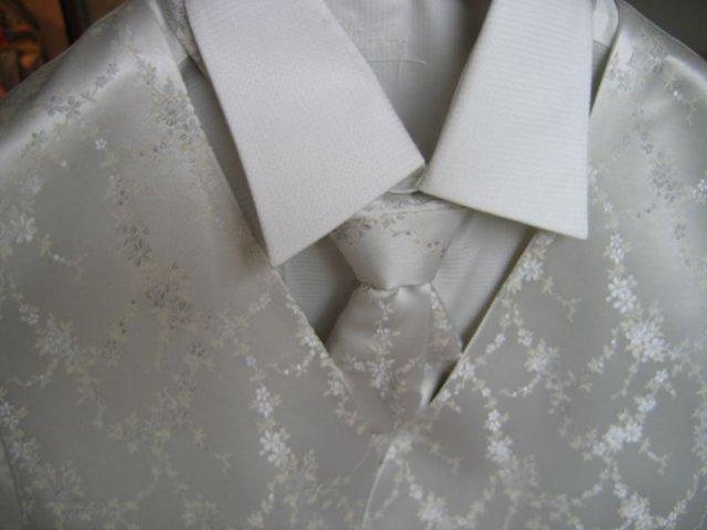 Ivec79 - detail kosela vesta francuzska kravata