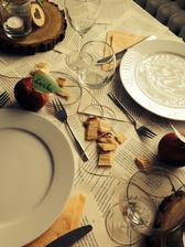 stolovanie som si natrénovala už doma :)