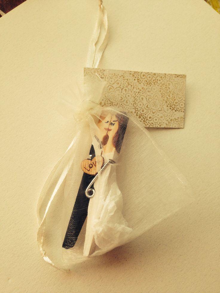 Prípravy - užívanie plnými dúškami! - hotové štipčeky :) na chrbte ženícha stojí: N+Ľ 23.8.2014 :)