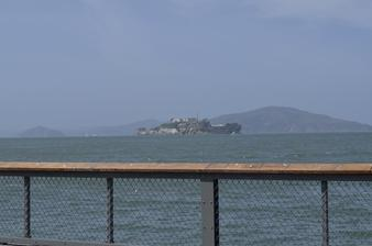 Alcatraz sme videli iba z diaľky, i keď sa vraj oplatí ísť sa tam pozrieť aj priamo, my sme sa tam nedostali, nedalo sa stihnúť úplne všetko žiaľ :(