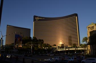 asi najefektnejšie vyzerajúce hotely vo Vegas :) čistý luxus!