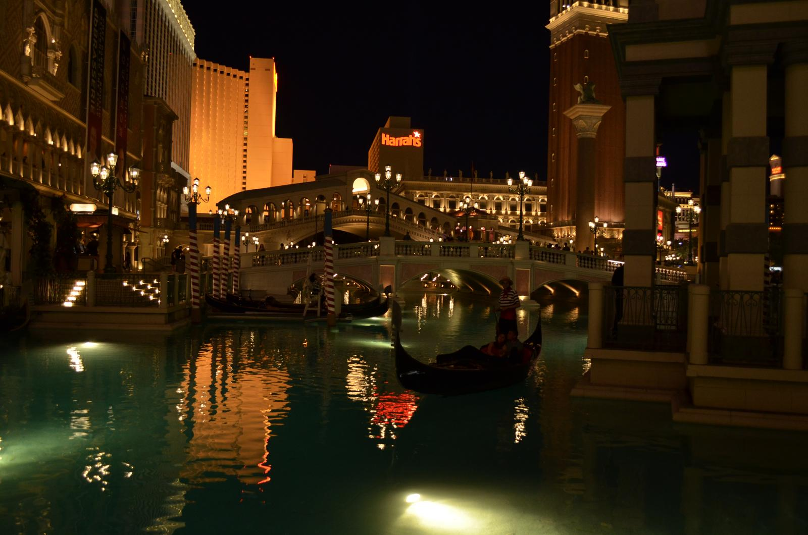"""""""If you can dream it, you can do it."""" - vo Vegas majú všetko! Paríž, New York aj Benátky :D"""