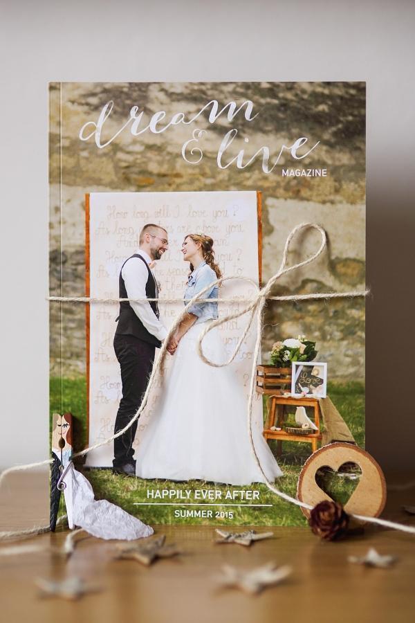 tie najkrajšie darčeky pre rodičov! <3 Naše svadobné fotky v podobe krásneho voňavého časopisu!  <3 Všetky fotoknihy sa môžu skryť, toto neprekoná nič! :-) <3 - Obrázok č. 2