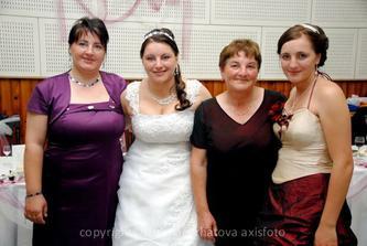 Sestri a maminka