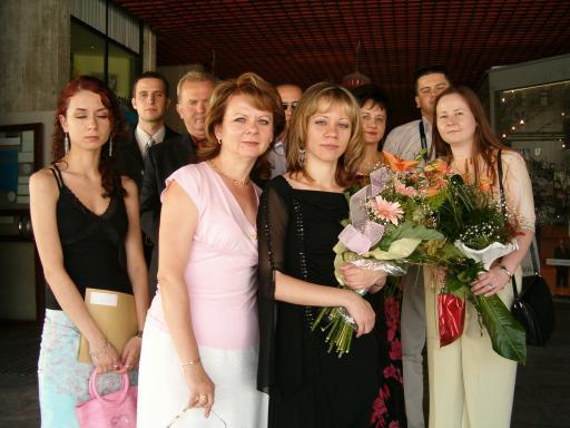 Nasa svadba - Toto bude cast pozvanych hosti (z mojej strany), foto z promocii (bola som chora, preto vyzeram trochu zvlastne).