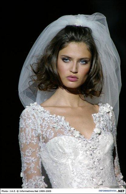 Nasa svadba - A toto by boli krasne saty pre kolegynu Janku. :) Posobia starodavne a honosne, presne jej styl.