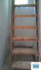 schody na povalu