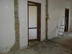 zburane obe steny obyvacka s jedalnou je kraaasna velkaaa 8 x 3 m