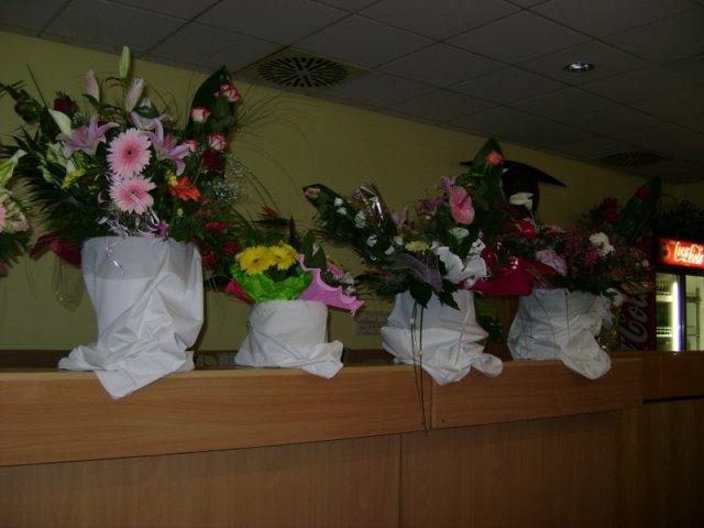 Zuzka Štvrtecká{{_AND_}}Milanko Hanzl - Toľko veľa kvetiniek sme dostali.