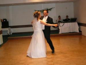 nas prvy manzelsky tanec