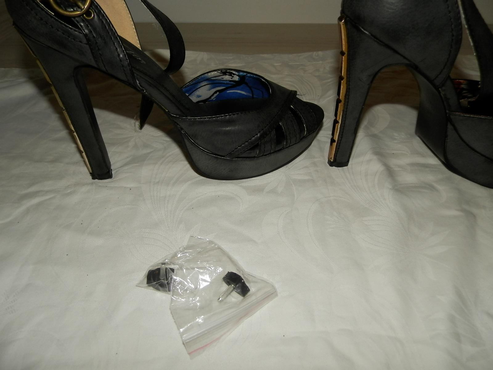 Nenosené štýlové sandálky 38 so zlatými opätkami - Obrázok č. 4
