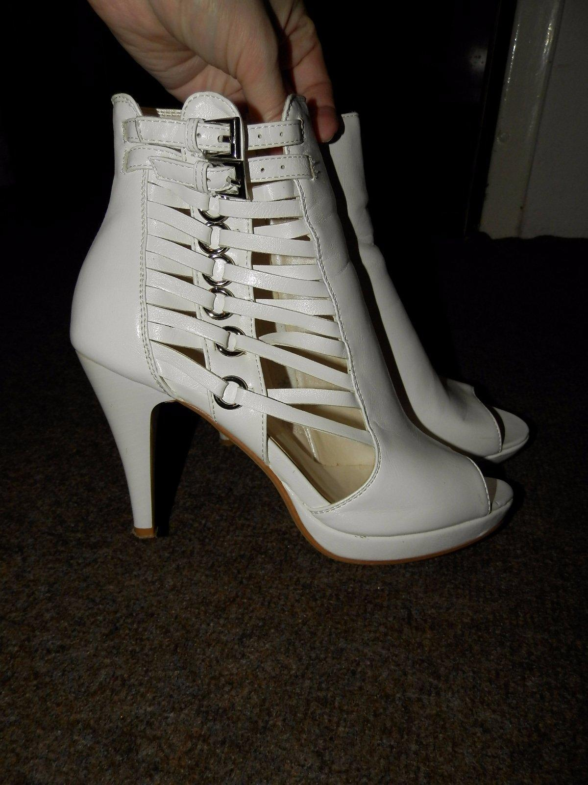 Trendy topánočky s otvorenou špicou  - Obrázok č. 1