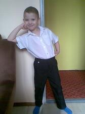 synovi Adámkovi chybí už jen obuv a motýlek :) ale je to kus chlapa :* ;)