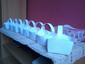 Krabičky na koláčky, vlastní výroba :)