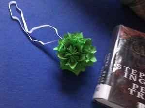 moje první kusudama koule :)