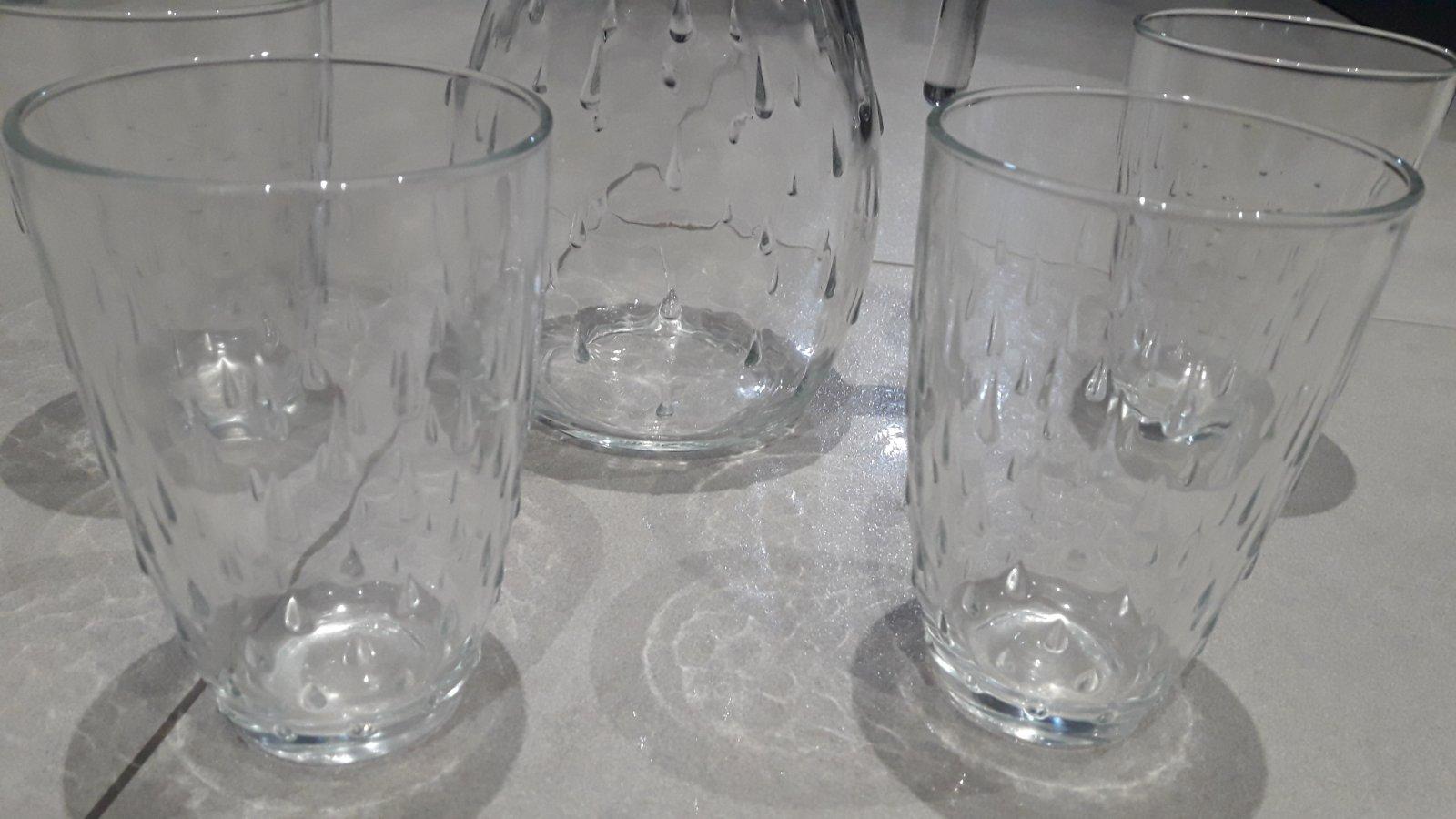 Sklenený ďžbán a poháre na víno alebo vodu - Obrázok č. 3