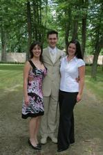 Ženich a jeho dvě sestry.