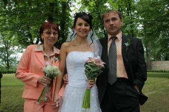 Moji milovaní rodičové, doufám že nám to i po 25 letech bude klapat stejně jako jim ;-)