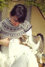 Maminka pod wisteriou s Andrejkou ananasovou :D
