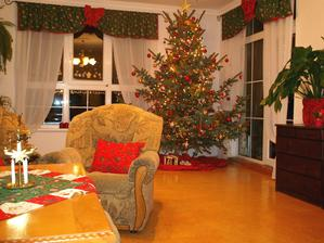 Vianocna obyvacka pred rekonstrukciou vymenou okien a nabytku ( rok 2012) :)