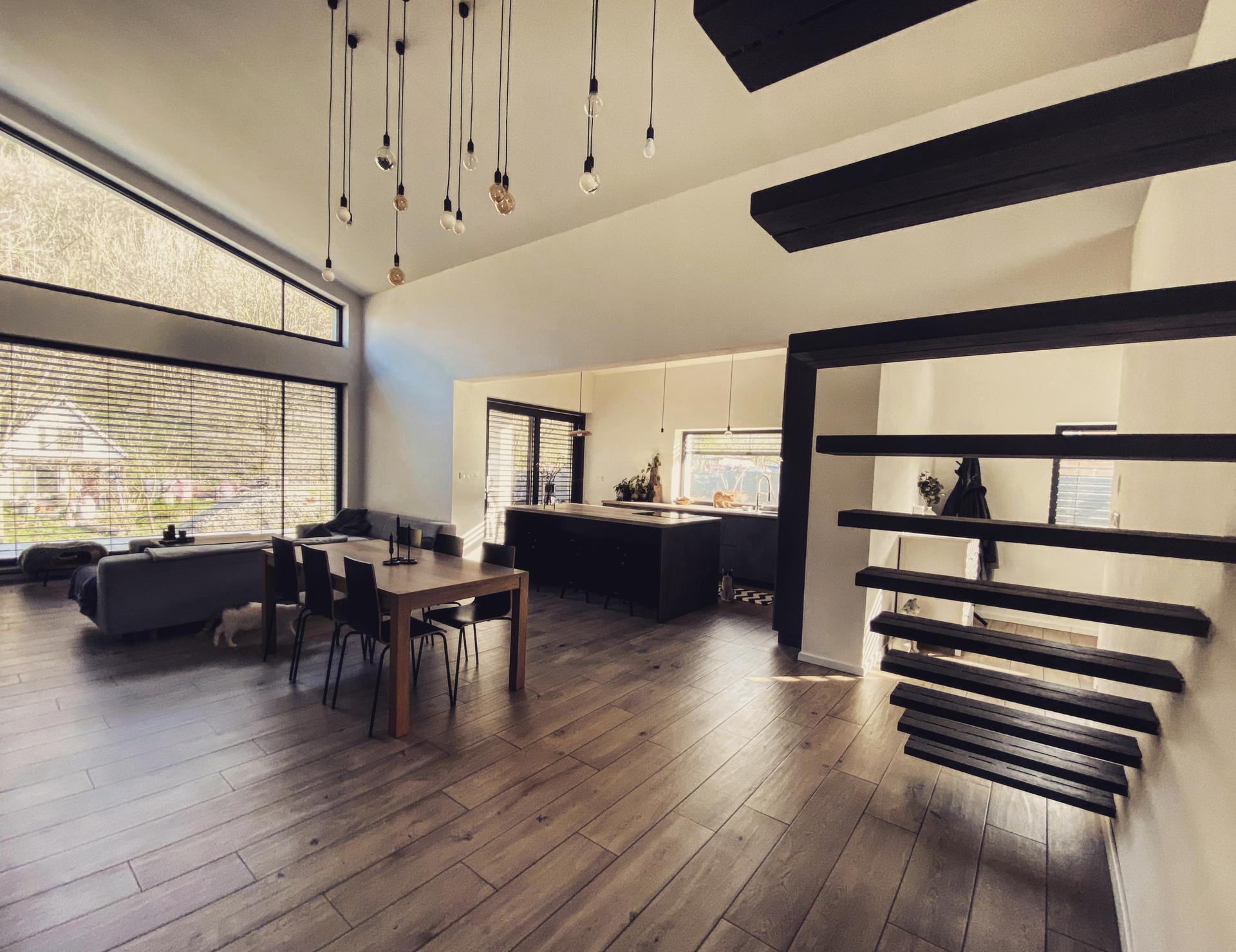 Keď sa z detailov stáva celok - Jedáleň s obývačkou a kuchyňou