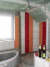 hůrá!!!!!! konečně nevý obložený kus koupelny, no myslím, že to bude vypadat pěkně :-)