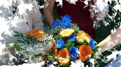 předal nám krásný kytičky...