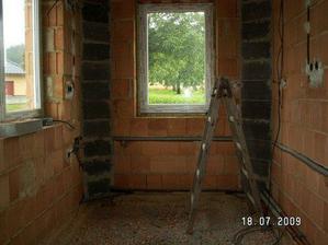 Tak tady bude jednou stát moje kuchyň, voda je natažená, rohy zazděný, už jen nahodit a udělat podlahu