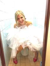 I nevěsty musí čůrat :D