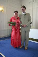 Ženich čeká na příchod nevěsty