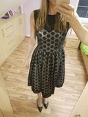Společenské šaty s puntíky vel. 38, 38